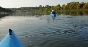 Plaukimas baidarėmis Nemunu per Kauną su gidu