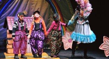 """Raganiukės teatro stovykla. Stovykla vaikams mylintiems teatrą """"Teatro žvaigždė""""!⭐️"""