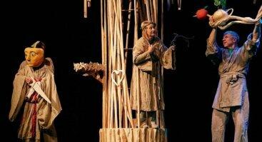 """Lėlių teatro spektaklis ,,Žalias žalias obuoliukas"""""""