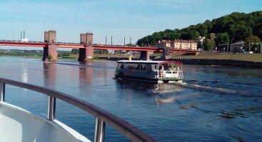 Trumpas pasiplaukiojimas Žemyn upe Joninių dieną