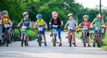 Vaikų dviračių lenktynės Kalniečių parke