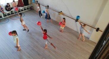 Šokių, gimnastikos ir kūrybinių dirbtuvių dienos stovykla