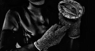"""KAUNAS PHOTO 2021 paroda: Alain Schroeder (Belgija) """"Senolės nardytojos"""""""