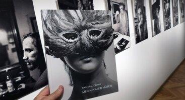 """Romualdo Požerskio fotografijų albumo """"Menininkai ir mūzos"""" pristatymas"""