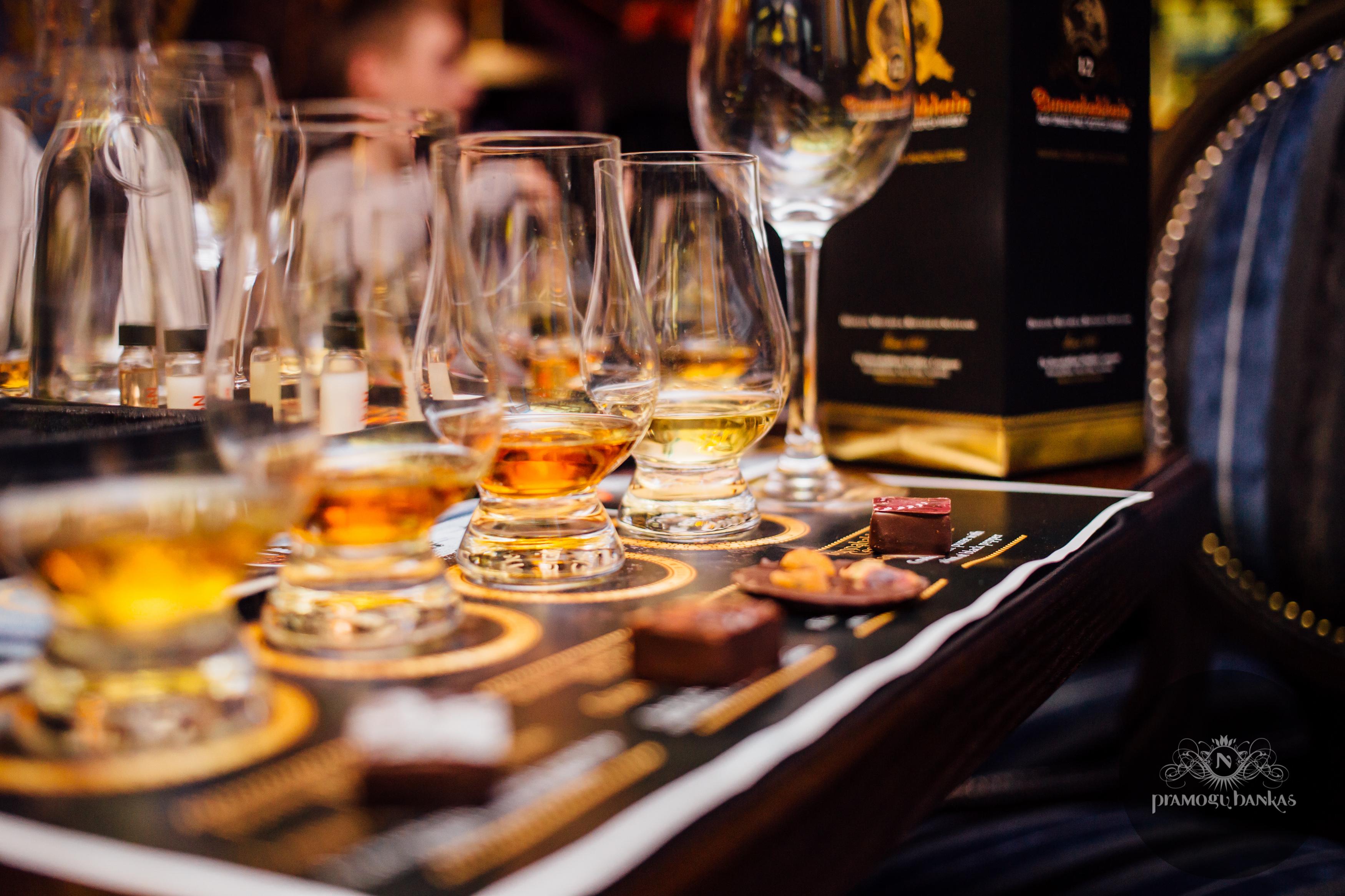 Nesė Whisky Bar
