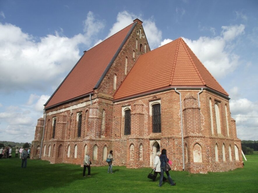 Zapyškio Šv. Jono Krikštytojo paminklinė bažnyčia (prie Nemuno)