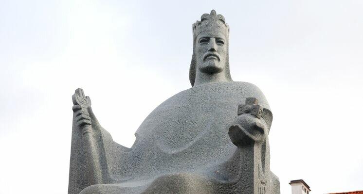 Karaliaus Mindaugo paminklas