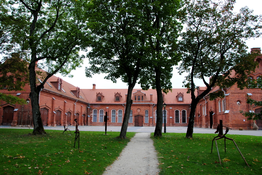 Raudondvario menų inkubatoriaus galerijos salė