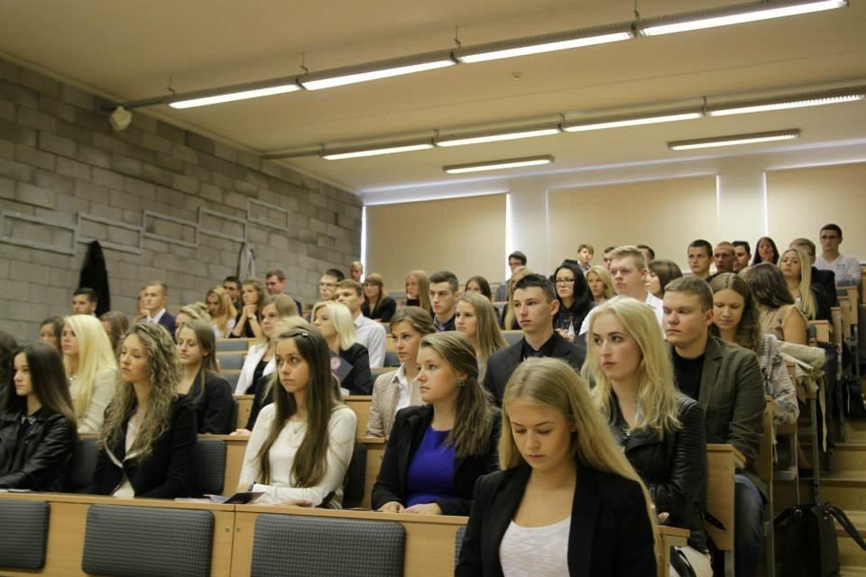VDU Politikos mokslų ir diplomatijos fakultetas